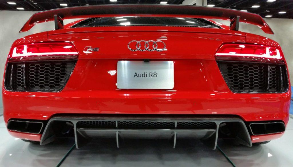 Audi-R8-back