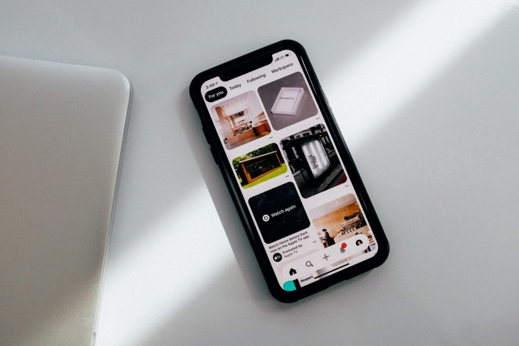 Pinterest homescreen on a smartphone
