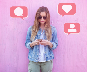 A female influencer driving discussion to help with social media algorithms